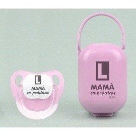 Cajita y chupete bebé Mamá en practicas